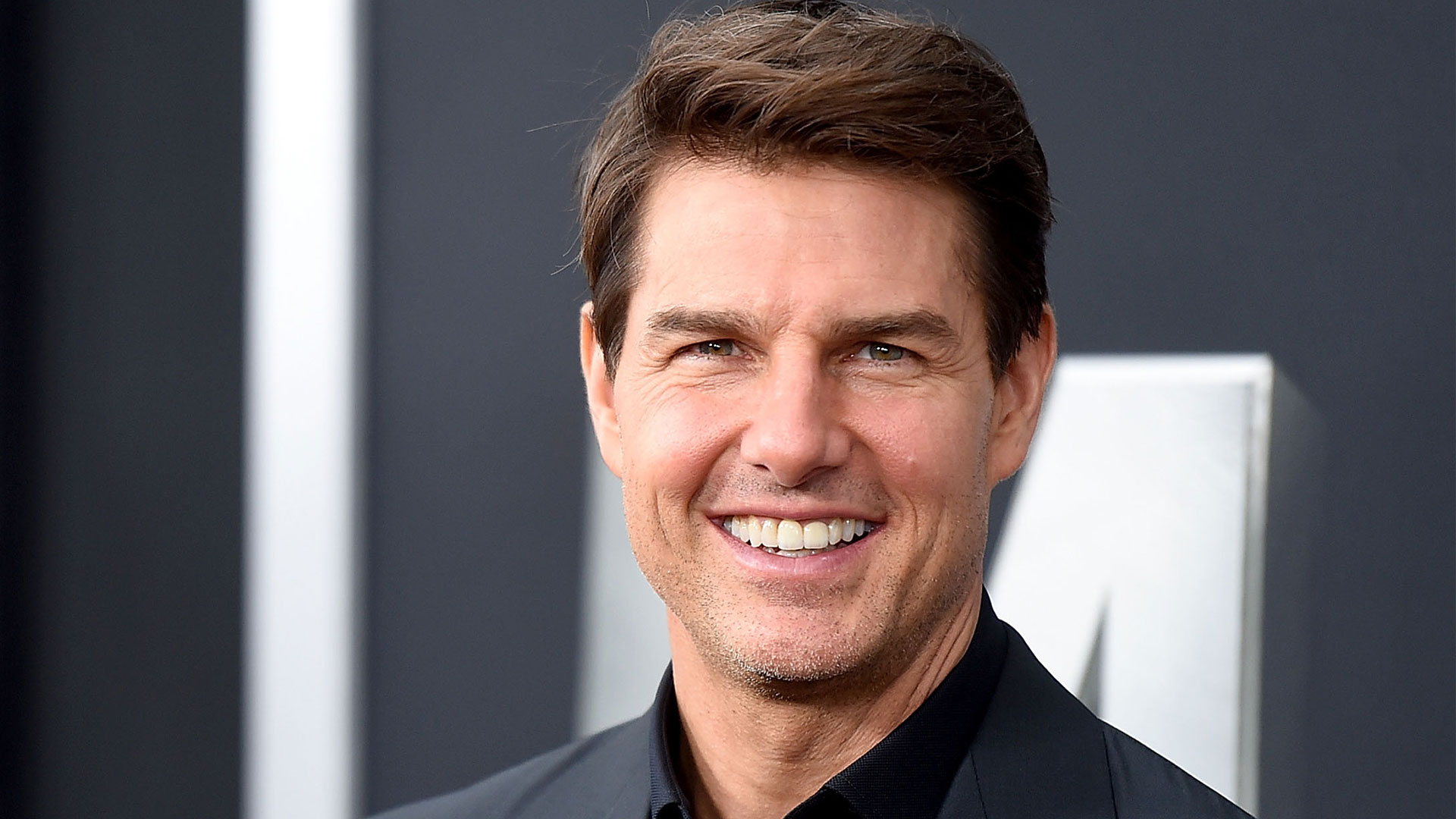 Tom Cruise Offers Family A Helicopter Ride After Landing In Their Garden: 'It Was Surreal'
